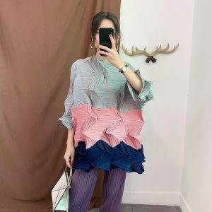 Cropped Sleeve Pleated Tops